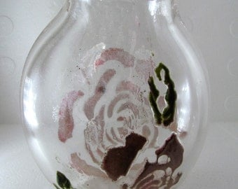 Pouch vase with rose embellishment