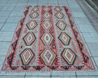 Vintage pastel kilim rug. Turkish kilim. Kilim rug. Turkish kilims. Blue kilim rug. Free shipping. 9.3 x 5.2 feet.