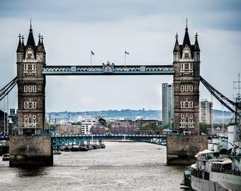 London Bridge Canvas Photo