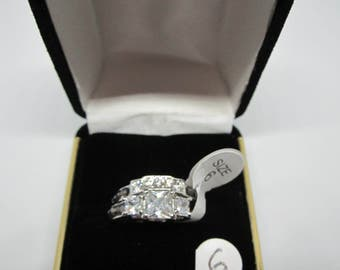 Princess Cut White Gold Plated Cubic Zirconia and Black Sapphire Engagement Ring Size 6 - Box Included - FREE SHIPPING