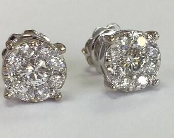 Halo diamond earring in 14k white gold
