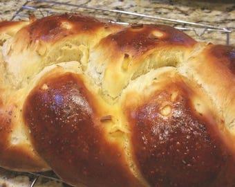 Challah Braided Bread. Gourmet Jewish Bread. Cinnamon Raisin. Pecan. Sesame Seed. Coconut. Garlic Herb. Special Occacion Specialty Bread.