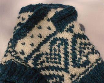 Hand knit heart pattern fingerless gloves - green and white hand warmers  - Scandinavian design - wool/alpacaca - ideal gift