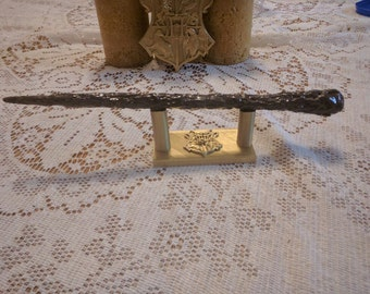 Ollivanders wand display harry potter single wand display for Elder wand stand