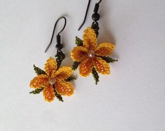 Hand Made Earring in silk - Rocking flower
