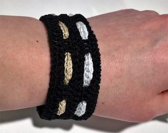 Crocheted deco bracelet