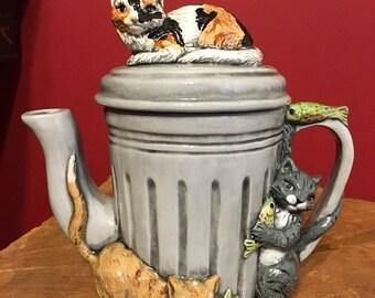 Unique Calico tabby cats ceramic teapot kitchen decor meowingly beautiful