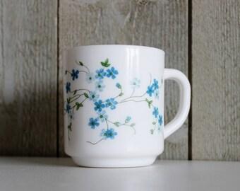 Mug Arcopal - Myosotis, Milk glass mug, Veronica, White glass mug, Blue flowers, Forget me not, Vintage mug, French mug, D299
