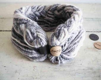 Cotì, wool, scarf with magnet, scarf necklace, worn in four different ways, gift idea, made in italy, handmade