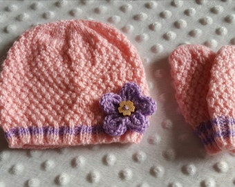 Hand Knit baby hat and mittens set. Baby girls hat and mittens. Baby shower/new baby gift.
