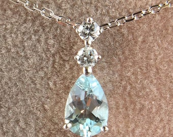 Necklace / white/gold 375/Topaz/Sapphire Pendant