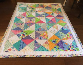 Hourglass Quilt made with Me & My Sister fabric by Dalgleish Cloth Works