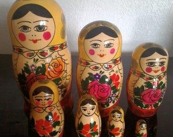 Vintage 7 piece Russian Nesting Dolls