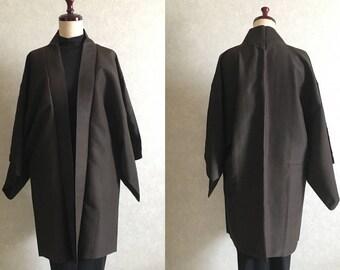 Japanese. Vintage. kimono.free shipping.haori.coat.Brown. Small lattice pattern.