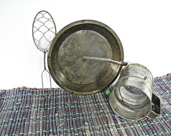 Bromwell's Flour Sifter, Rustic Flour Container, Old Pie Pan Slider, Primitive Chicken Wire Spoon, Farmhouse, Cottage, Antique Kitchenware