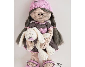 Doll / knitted toy / doll crochet