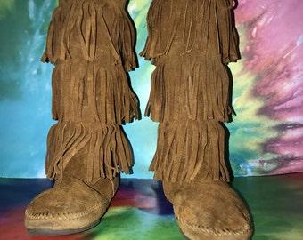 3 tier minnetonka boots