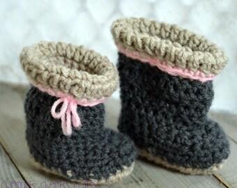 Newborn booties, baby booties, crocheted baby booties, crocheted crib shoes, handmade booties, handmade crib shoes, newborn crib shoes