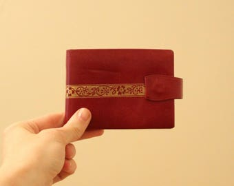 Vintage Burgundy and Gold Billfold Wallet *Flat Rate Shipping* [Cute Retro Vintage Small Wallet Accessories Coin Purse Money]