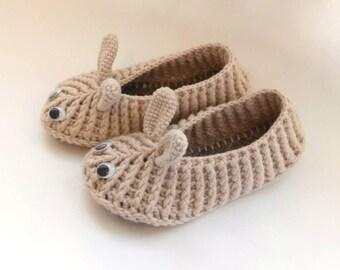 Baby Easter Slippers, Bunny Slippers, Crochet Rabbit Slippers, White Bunny slippers, infant slippers, baby shower gift, crochet slippers