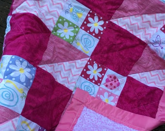 Pink Baby Quilt, Baby Quilt Handmade, Quilt Flowers, Baby Girl Quilt, Crib Quilt Handmade, Patchwork Quilt Pink