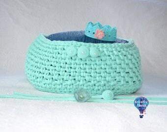 Handmade, elastic basket