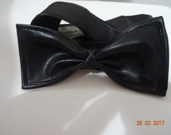 Faux bow tie