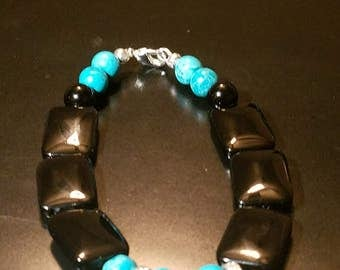 Handmade natural onyx and turquoise bracelet