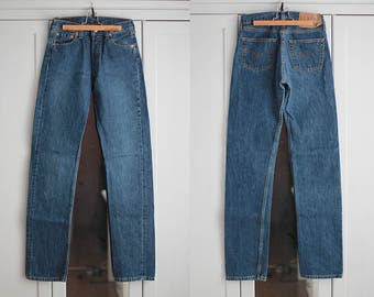 Levi's 501 Jeans Vintage High Waisted Denim Trousers Classic Fit Dark Blue Color Unisex Men Women Clothing High Fashion W29 L36 / Medium