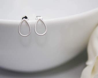 Studs of Teardrop in silver