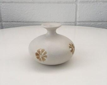 OMC (Japan) Matte White Oval Flower Bud Vase