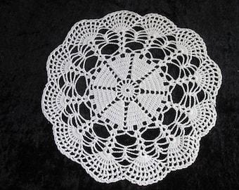 Vintage White Lace Doily Crochet Doily Round Lace Doily Centerpiece Decoration Oval Crochet Lace Vintage Lace Doily Wedding Centerpiece