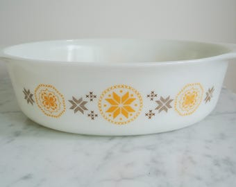 Vintage PYREX Town and Country Casserole Dish 045