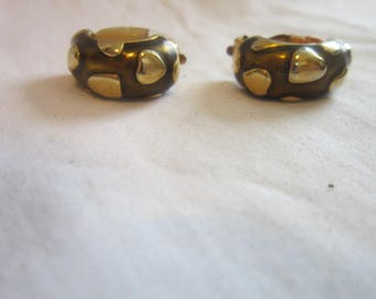 Vintage Brushed Gold and Gold Tone Retro Clip on Earrings