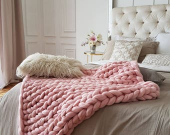 Wool Hugs Blush Pink Chunky Knit Blanket. Knitted baby blankets. Arm knit blanket. Big knit blanket. Knit throw. Merino wool blanket