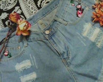 Distressed high waisted Jean shorts  w/ Rose embroidered patches!