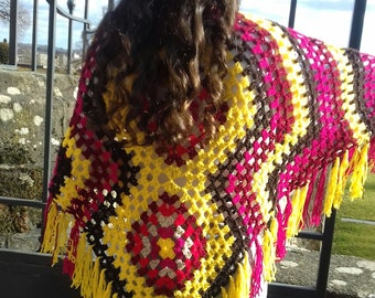 Original and colourful shawl with fringes