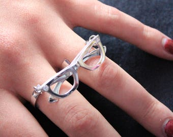 Double ring with silver glasses