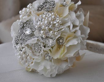 Queen... wedding bouquet.