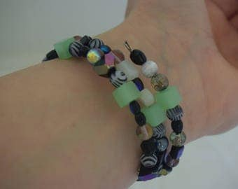 Memory Wire Bracelet. (assorted colours)