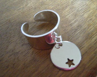 Wide adjustable silver ring and hollowed-out Star Medal