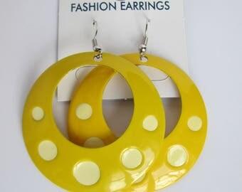 Yellow Earrings Dangle Hoop Summer Jewelry Big Round Earrings Metal Vintage 90s Bijouterie Colorful Summer Accessories