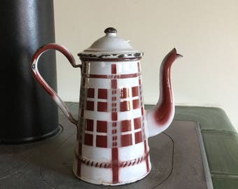 Enamelled with the original décor coffeemaker