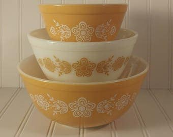 Vintage Pyrex Butterfly Gold Set of 3 Nesting Mixing Bowls 401 402 403 Bakeware