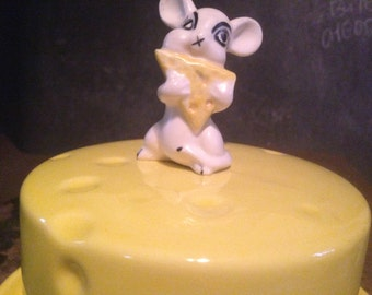 Naughty Mouse Cheese Dish Plate Cover Swiss Cheese 1970s Ceramic Kistch For Your Retro Kitchen USA