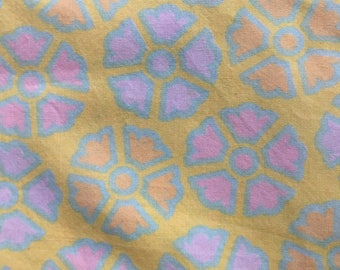Vintage Flat Sheet, King Size Sheet, Combed Cotton,  1970s Retro Bed Linens Fabric, Bedding, Mod Stylized Flower Design