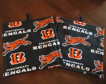 Pot holder, Bengals, hot pad, baking, oven, trivet, kitchen and dining, home and living, housewares, table, dining room, kitchen, patio