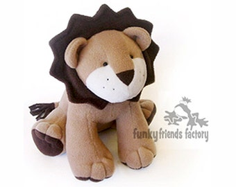 Larry Lion - Plush Toy Pattern PDF