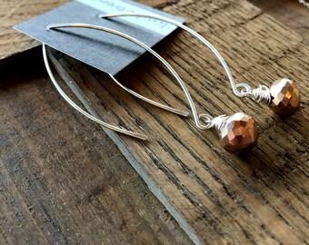 Pyrite Hoop Earrings. Threaded Hoop Earrings with bronze pyrite. Pyrite Drop Earrings. Hoops. Jewelry. Artisan. Jewelry.