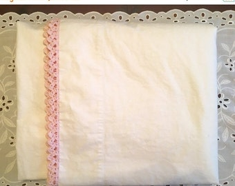 HOLIDAY SALE - Vintage Cotton Muslin Flat Sheet with Pink Crochet Trim - Cottage Chic - Cannon Muslin - Cotton - 1950 Bedding  - Pink Romant